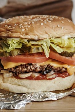 healthy options, healthy fast food, Five Guys burger